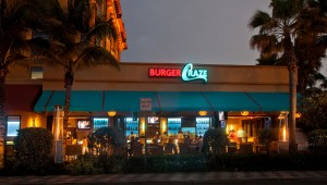 Burger Craze Restaurant in Deerfield Beach, Florida exterior shot